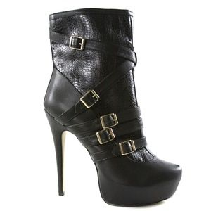 BEBE TABITHA BUCKLE BOOTIES BLACK SIZE 9